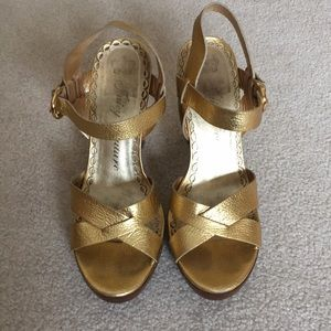 Juicy Couture Gold Leather wood platform heels,8.5